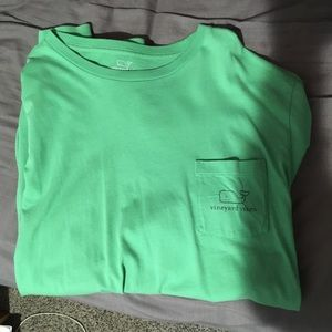 Vineyard Vines men's M green long sleeve t shirt